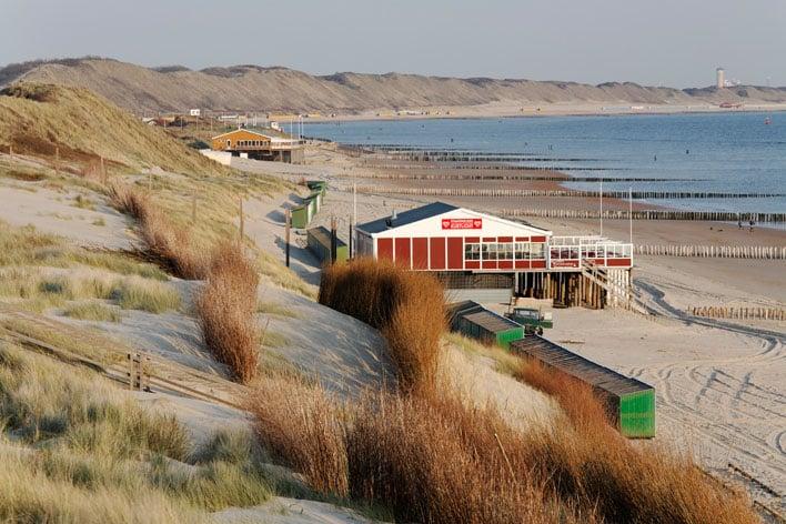 B0HC61 Beach pavilion, North Sea coast near Zoutelande, Walcheren, Zeeland, Netherlands